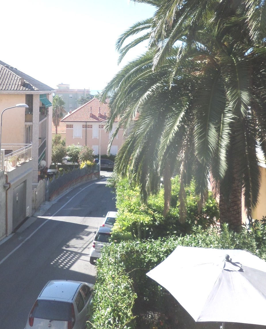 Appartamento in affitto a Varazze, 4 locali, prezzo € 1.000 | Cambio Casa.it