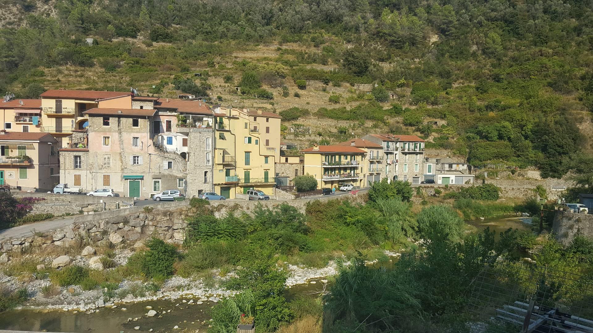 Bilocale Ventimiglia Via Case Lupi 8