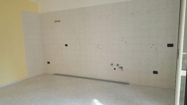 Appartamento in affitto a Brusciano, 2 locali, prezzo € 300 | Cambio Casa.it