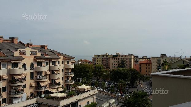 Appartamento in vendita a Cogoleto, 6 locali, zona Località: Centrostorico, prezzo € 390.000 | Cambio Casa.it