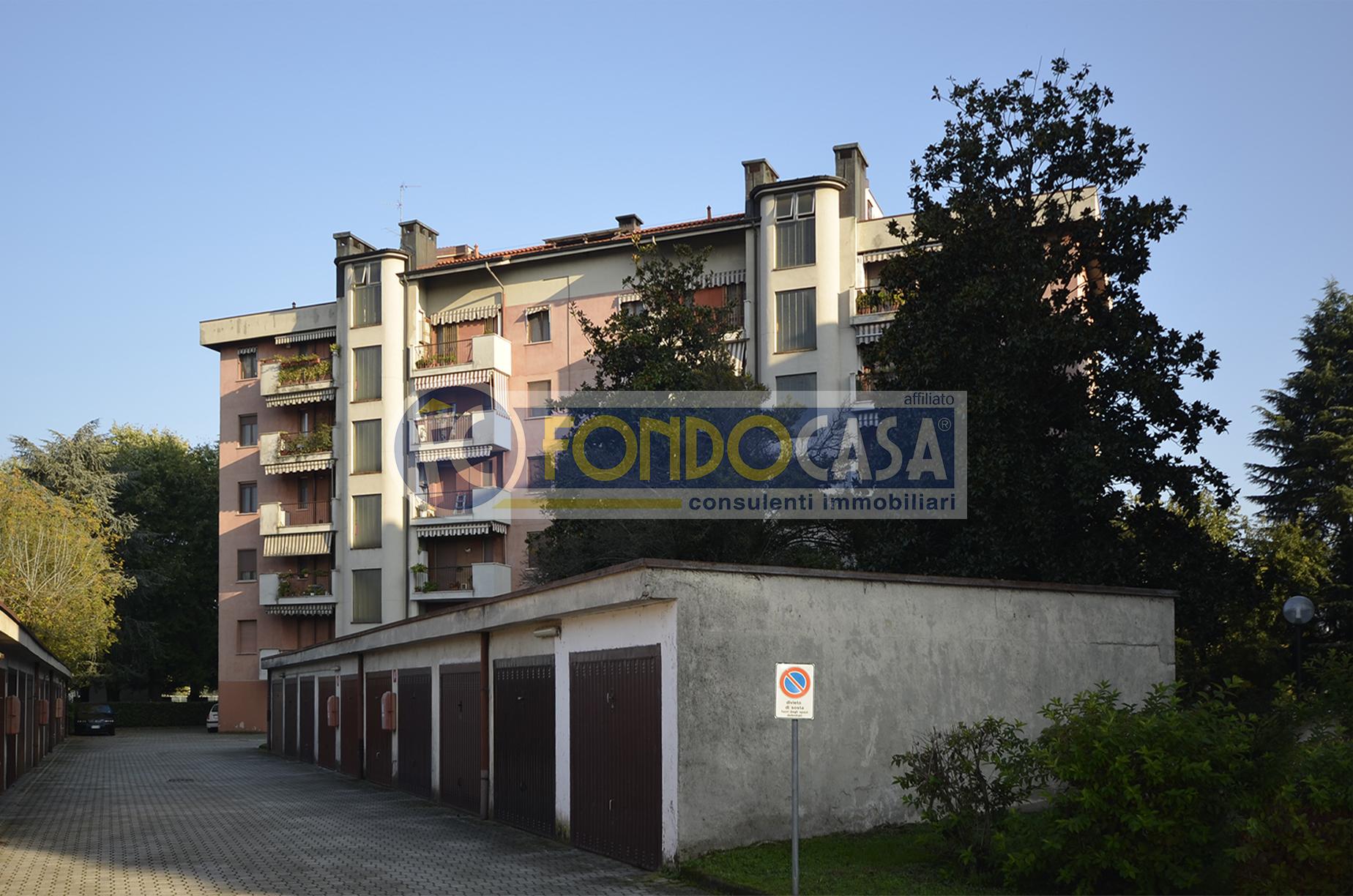 Bilocale Tavazzano con Villavesco Via Fratelli Cervi 10