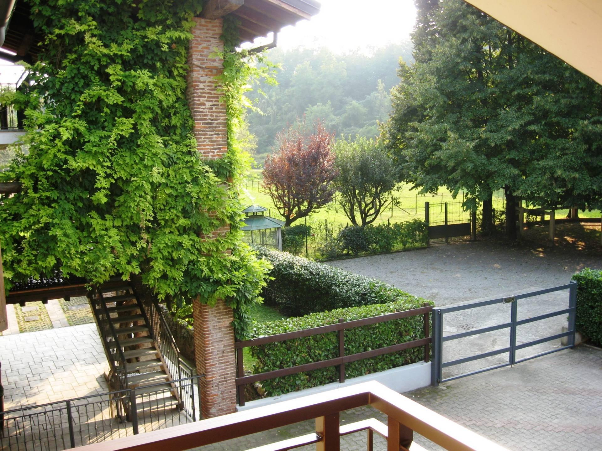 Bilocale Lesmo Via Molini Taverna 10