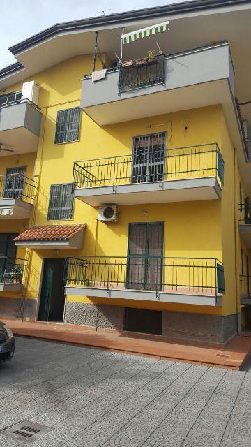 Appartamento in affitto a Castello di Cisterna, 4 locali, prezzo € 450 | Cambio Casa.it