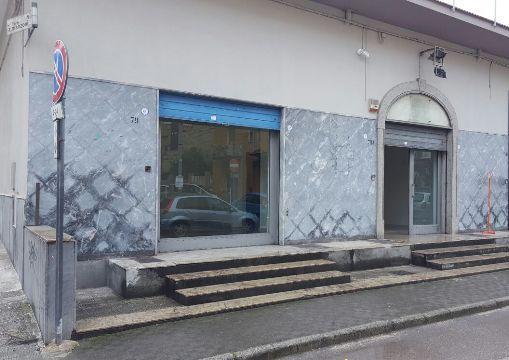 Negozio / Locale in affitto a Brusciano, 9999 locali, prezzo € 700 | Cambio Casa.it