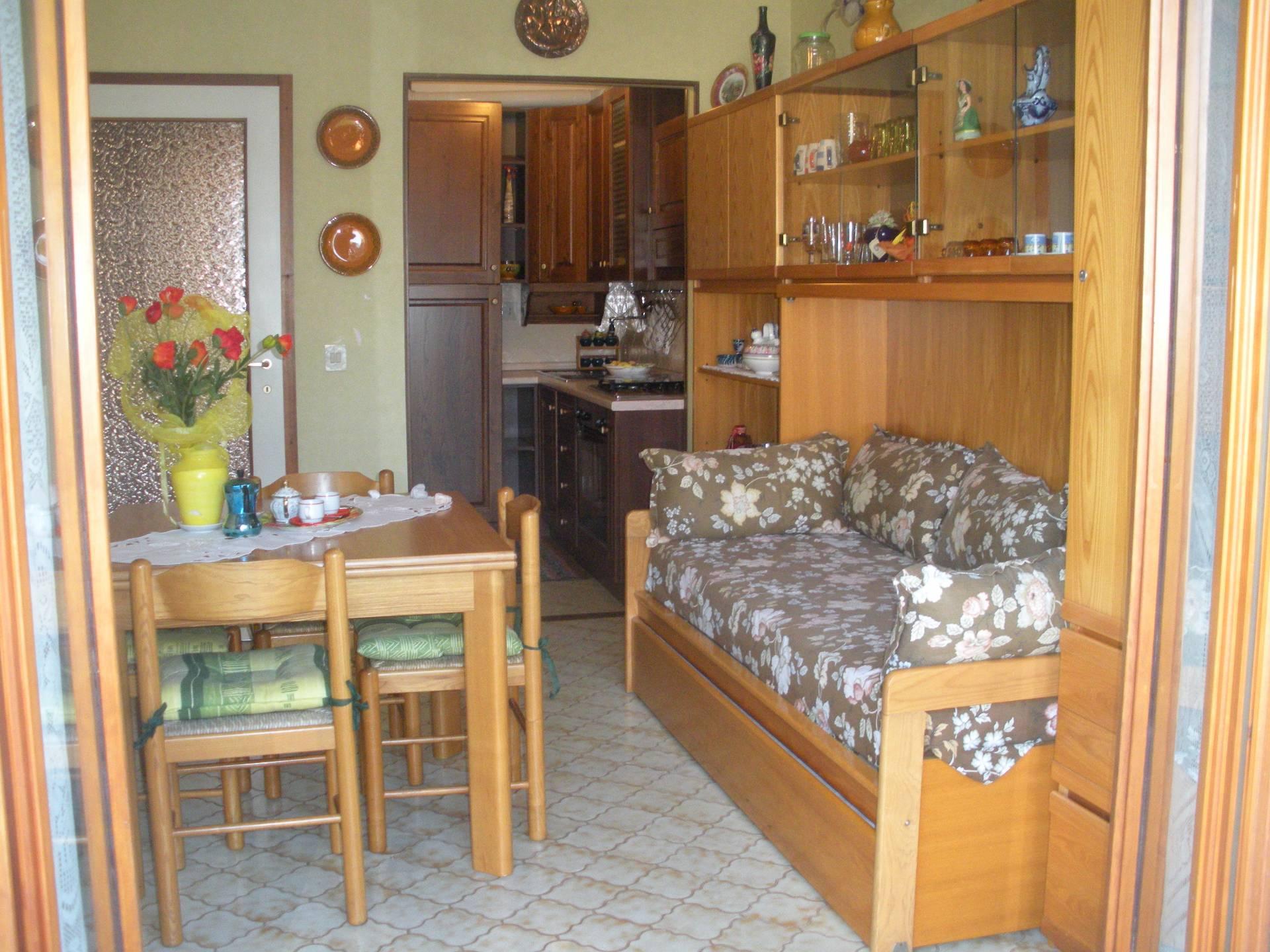 Appartamento in vendita a Ceriale, 2 locali, prezzo € 135.000 | CambioCasa.it