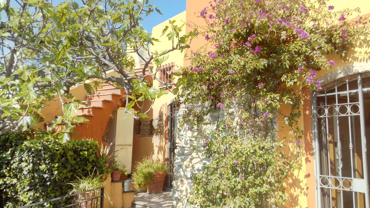 Rustico / Casale in vendita a Albenga, 5 locali, zona Zona: Bastia, prezzo € 270.000 | CambioCasa.it