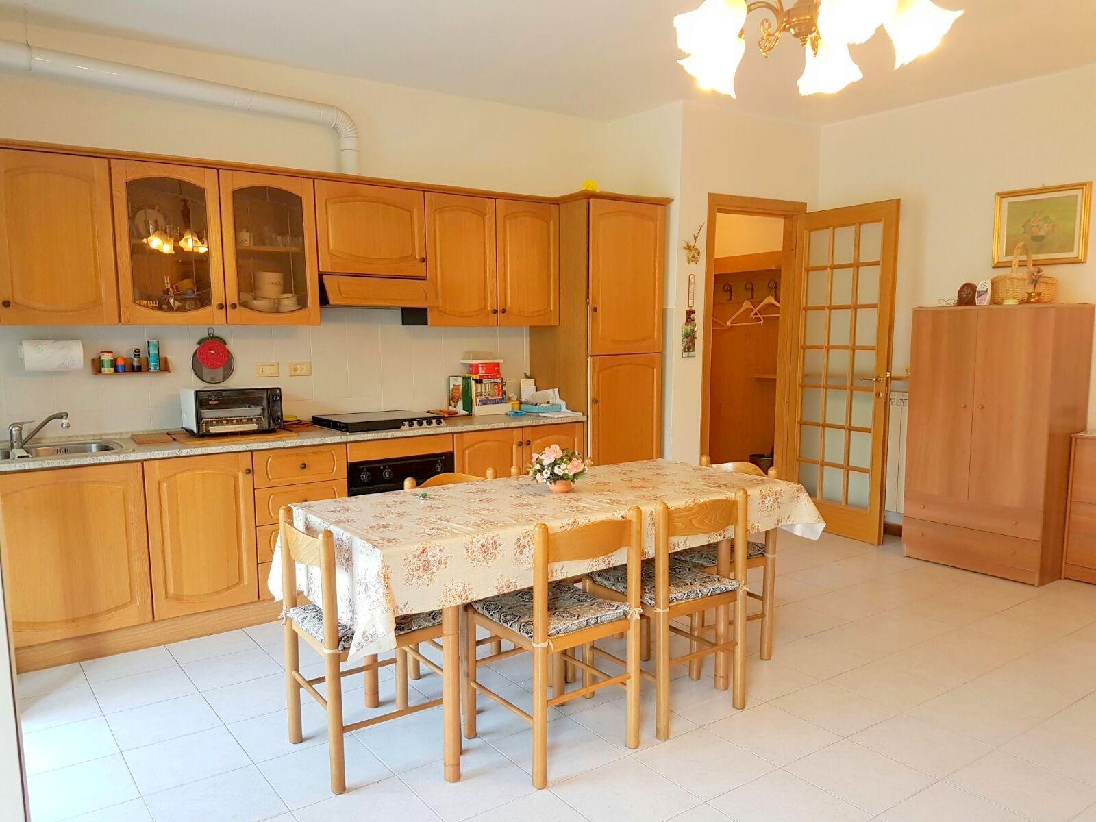 Appartamento in vendita a Ceriale, 3 locali, prezzo € 170.000 | CambioCasa.it