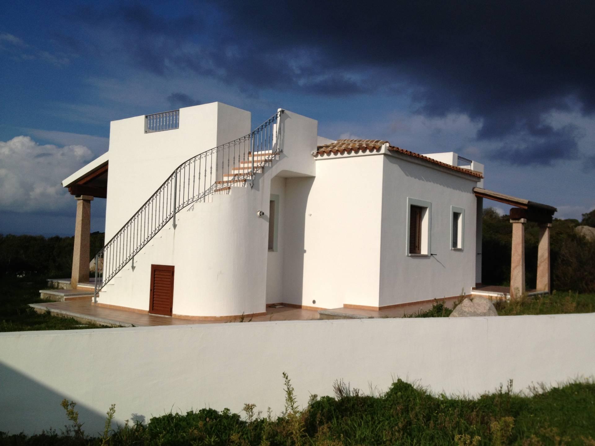Villa in vendita a Santa Teresa Gallura, 4 locali, prezzo € 330.000 | CambioCasa.it