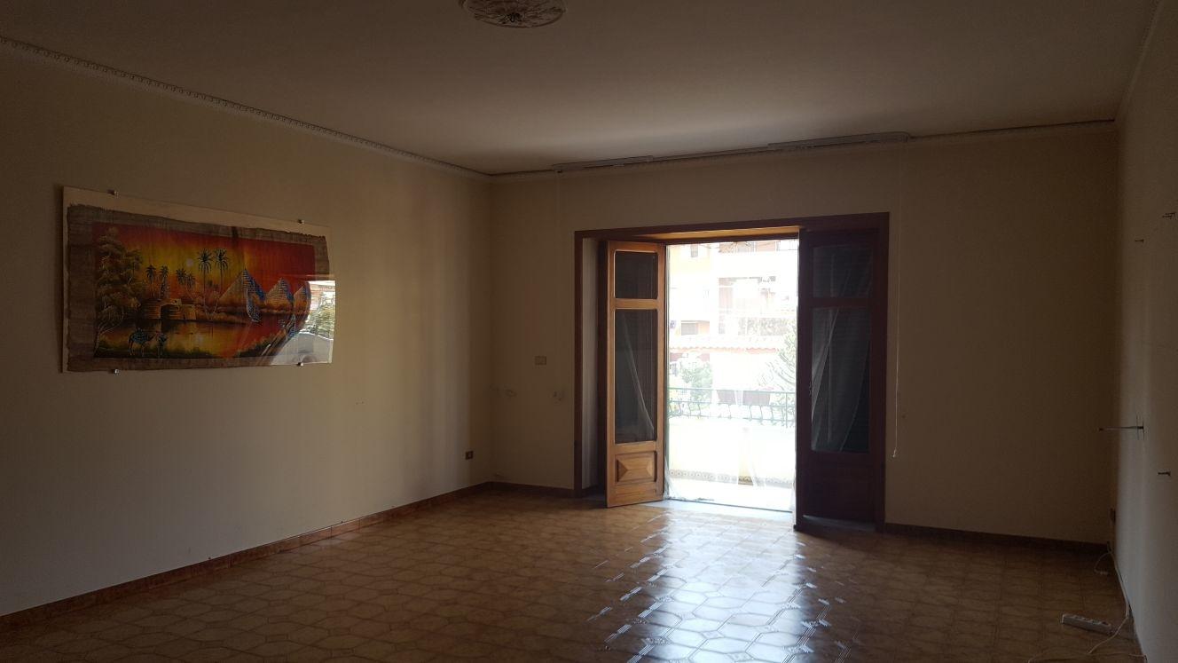 Appartamento in affitto a Castello di Cisterna, 5 locali, prezzo € 450 | CambioCasa.it