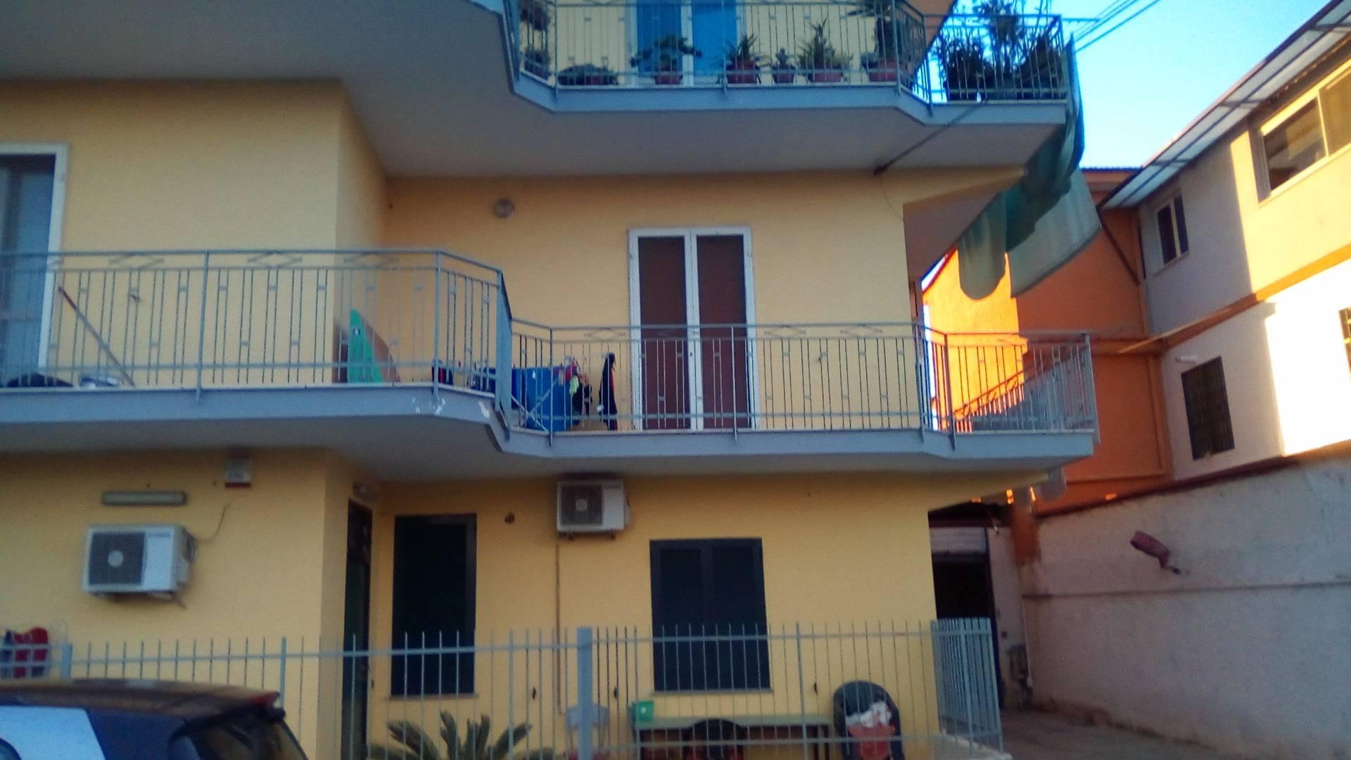 Appartamento in affitto a Brusciano, 4 locali, zona Località: DeRuggiero, prezzo € 470 | CambioCasa.it