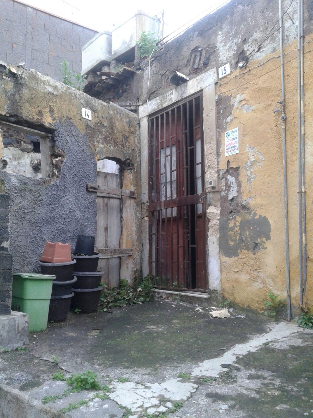 Soluzione Indipendente in vendita a Catania, 2 locali, zona Località: Zonacentro, prezzo € 70.000 | CambioCasa.it