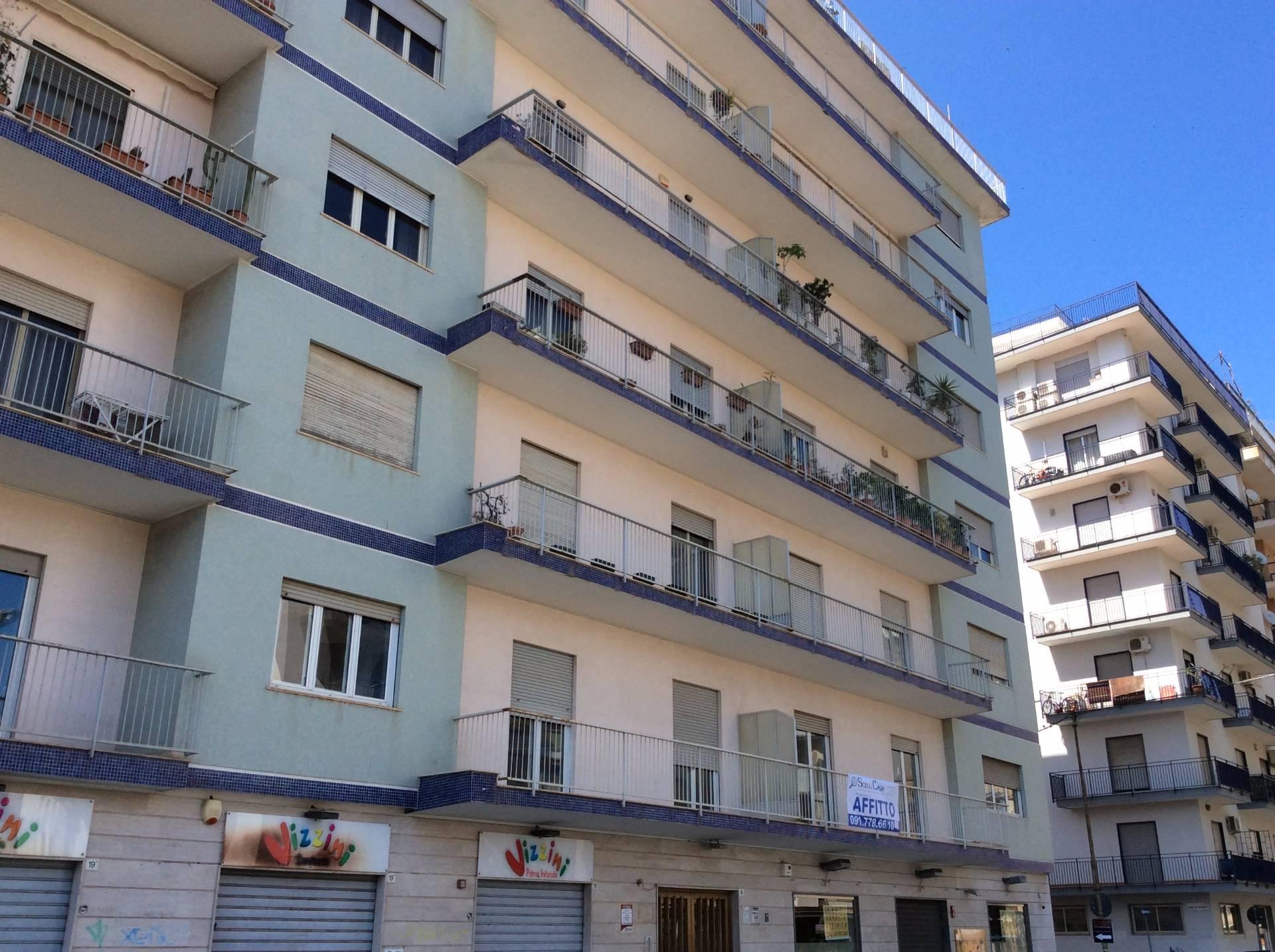 Ufficio / Studio in affitto a Palermo, 9999 locali, zona Località: villabianca, prezzo € 3.500 | CambioCasa.it