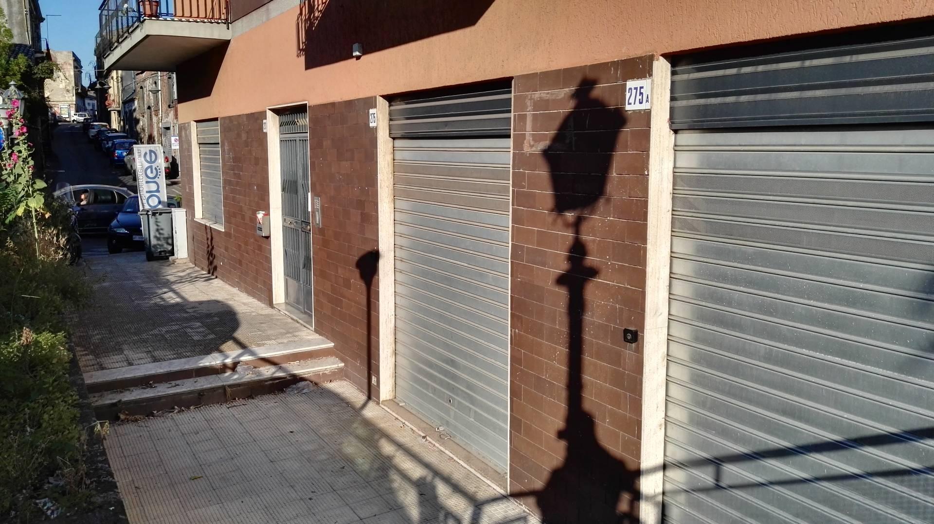 Negozio / Locale in affitto a Mascalucia, 9999 locali, zona Località: CentroStorico(ViaEtnea/ViaRoma...., prezzo € 400 | CambioCasa.it