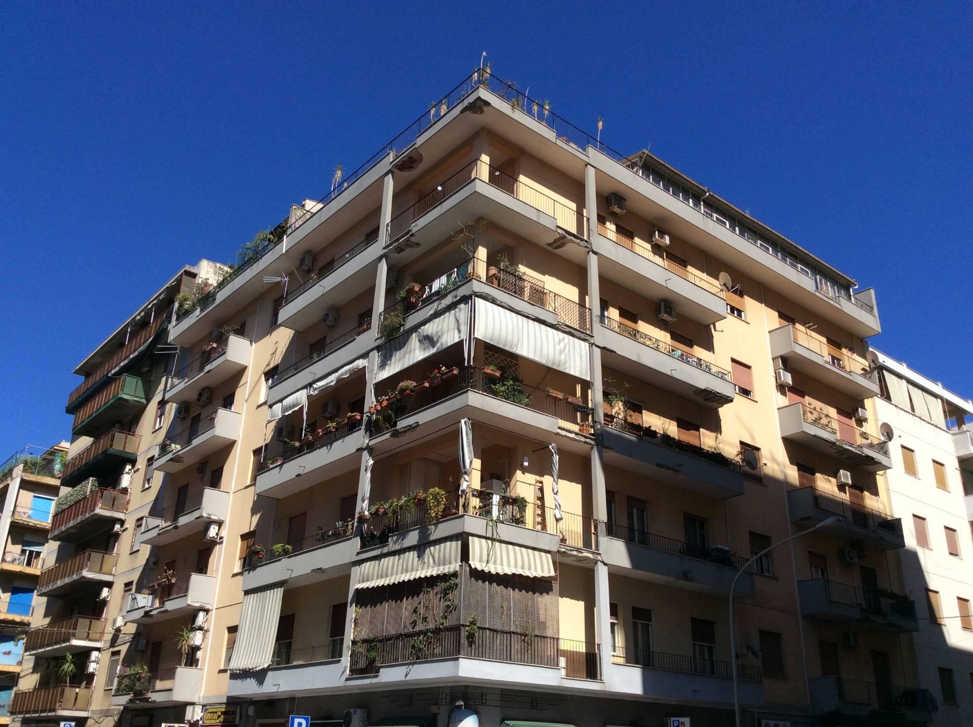 Appartamento in vendita a Palermo, 5 locali, zona Località: villabianca, prezzo € 280.000 | CambioCasa.it