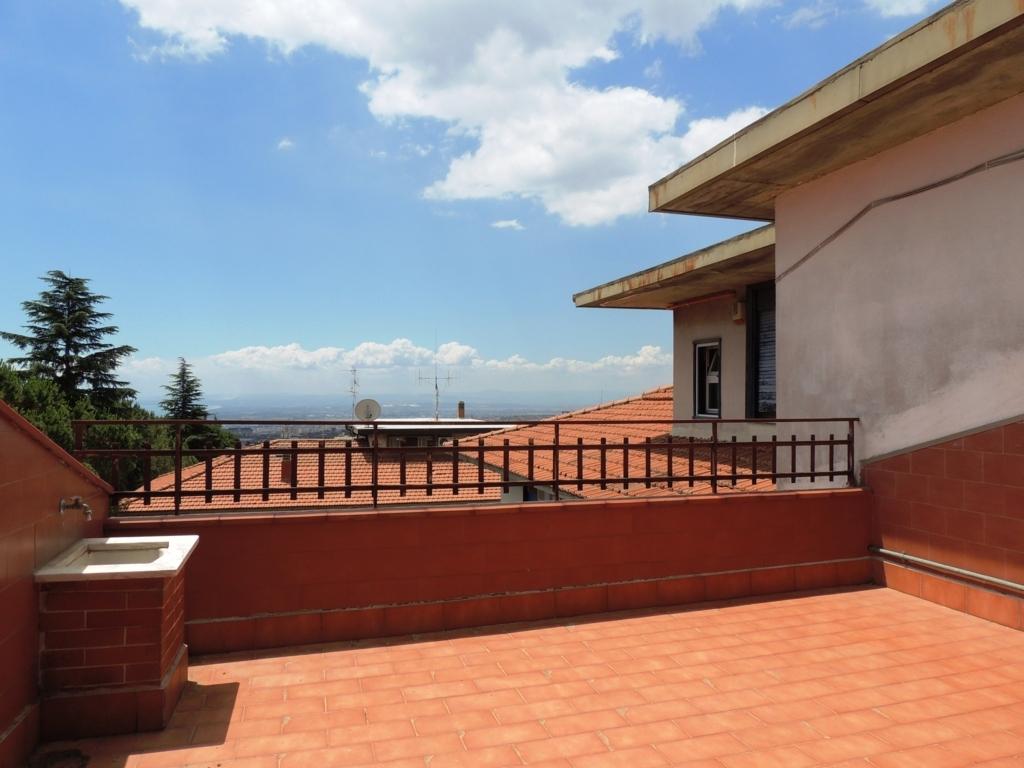 Appartamento in vendita a Gravina di Catania, 6 locali, zona Località: Centro, prezzo € 165.000 | CambioCasa.it