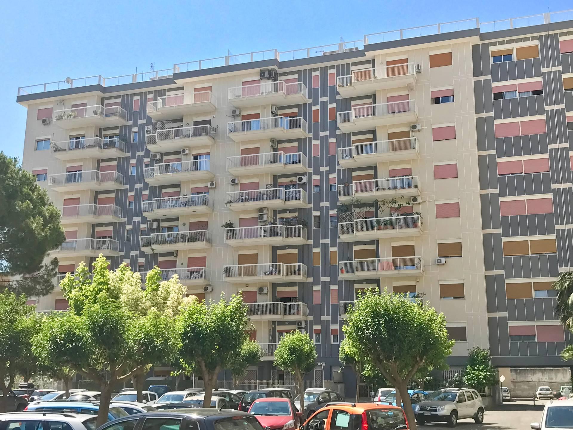 Appartamento in affitto a Palermo, 5 locali, zona Località: LeonardoDaVinci, prezzo € 600 | CambioCasa.it