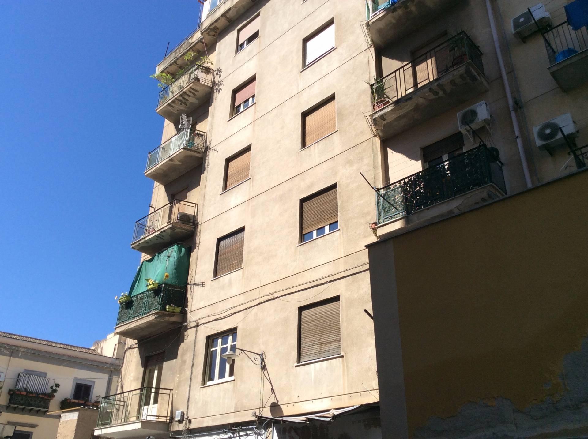 Appartamento in vendita a Palermo, 3 locali, zona Località: BorgoVecchio, prezzo € 68.000 | CambioCasa.it