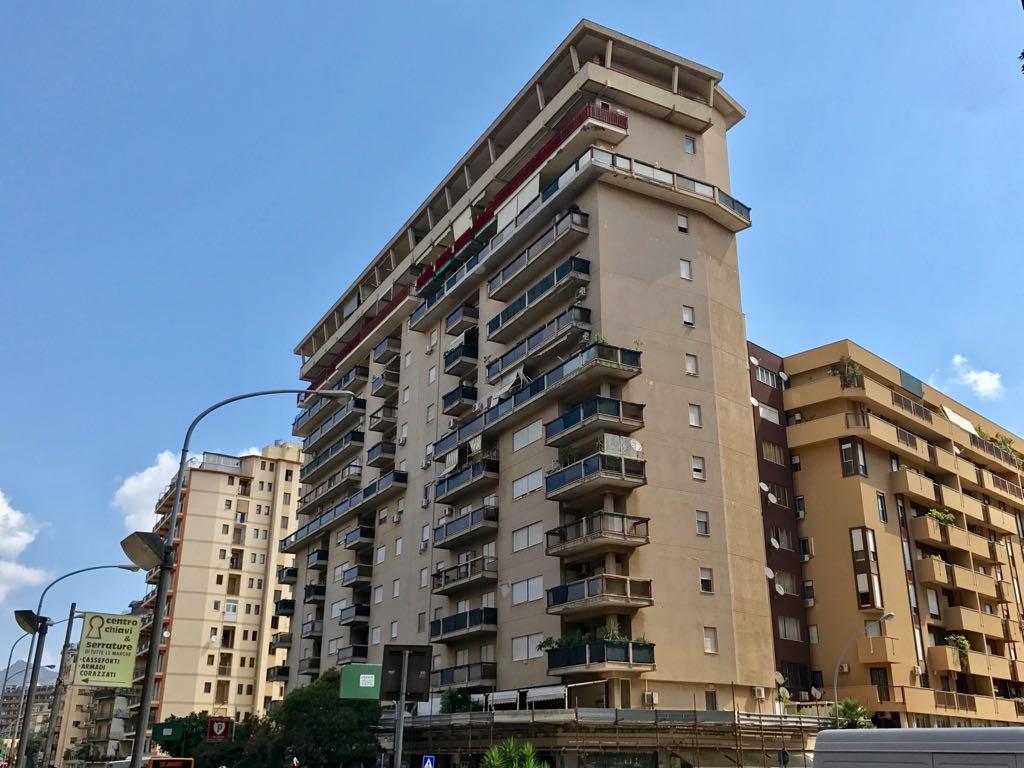 Appartamento in vendita a Palermo, 6 locali, zona Località: Malaspina, prezzo € 320.000 | CambioCasa.it