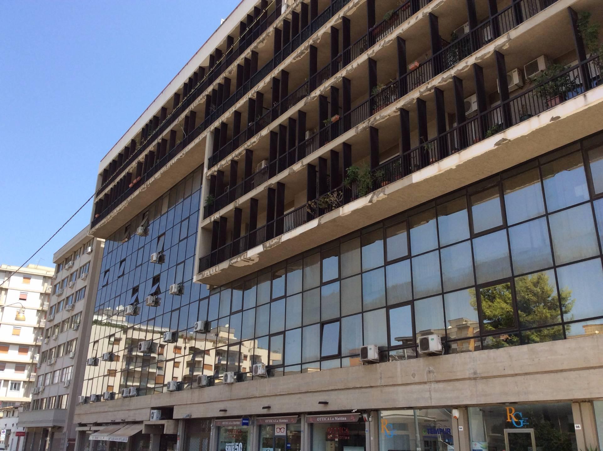 Ufficio / Studio in affitto a Palermo, 9999 locali, zona Zona: Strasburgo, prezzo € 420 | CambioCasa.it