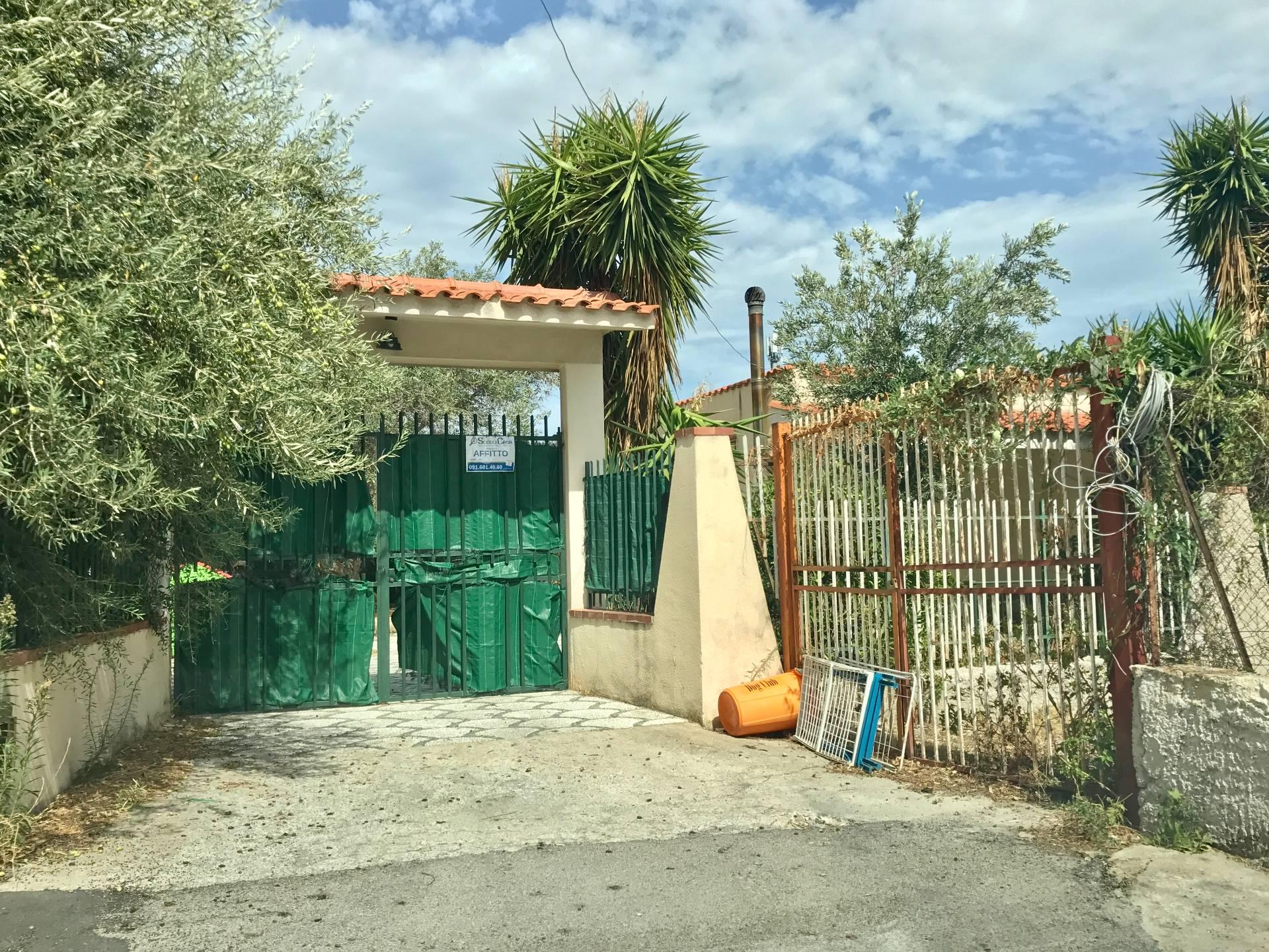 Villa in affitto a Carini, 4 locali, zona Località: VillagraziadiCarini, prezzo € 550 | CambioCasa.it