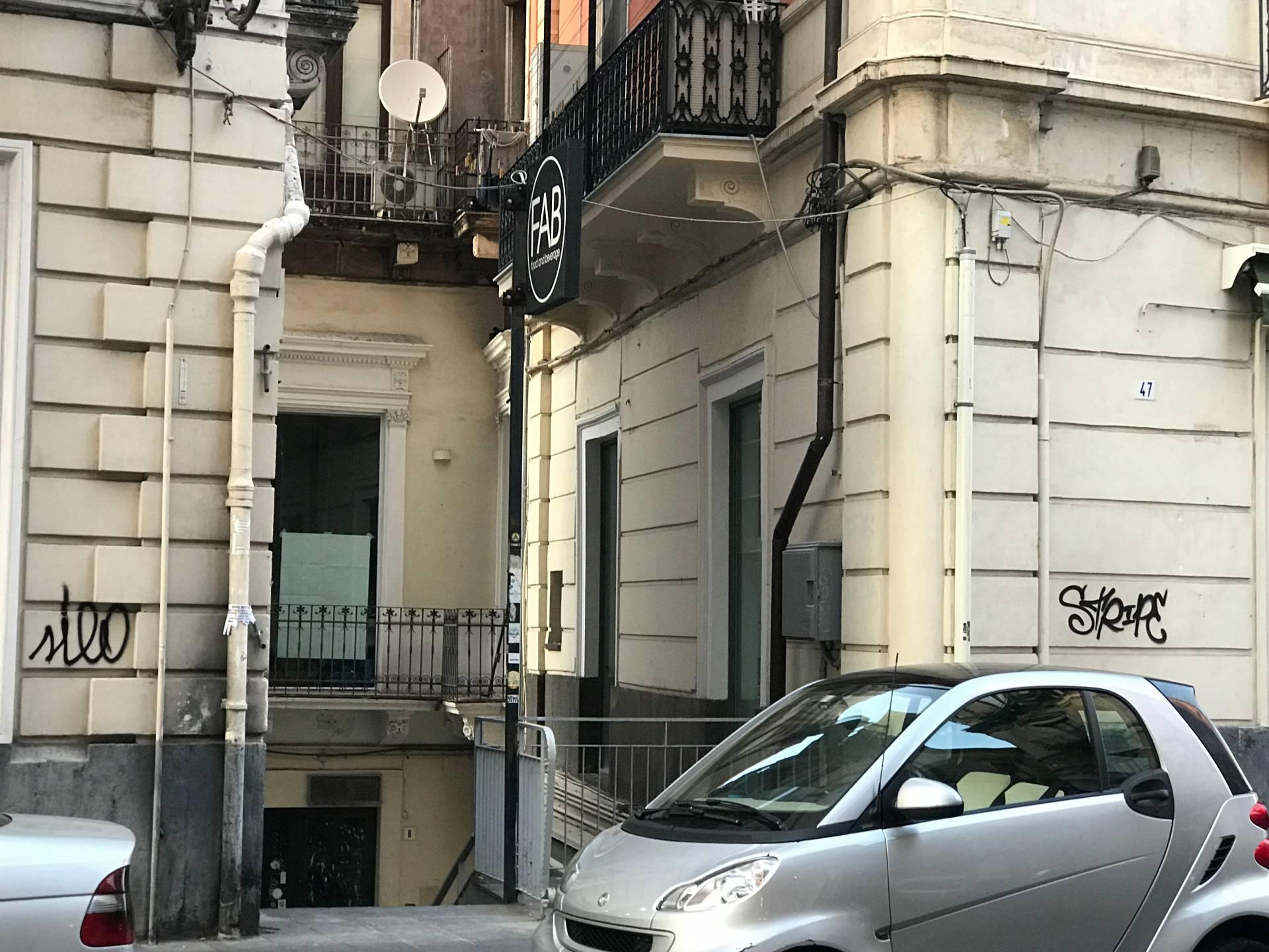 Negozio / Locale in affitto a Catania, 9999 locali, prezzo € 2.000   CambioCasa.it