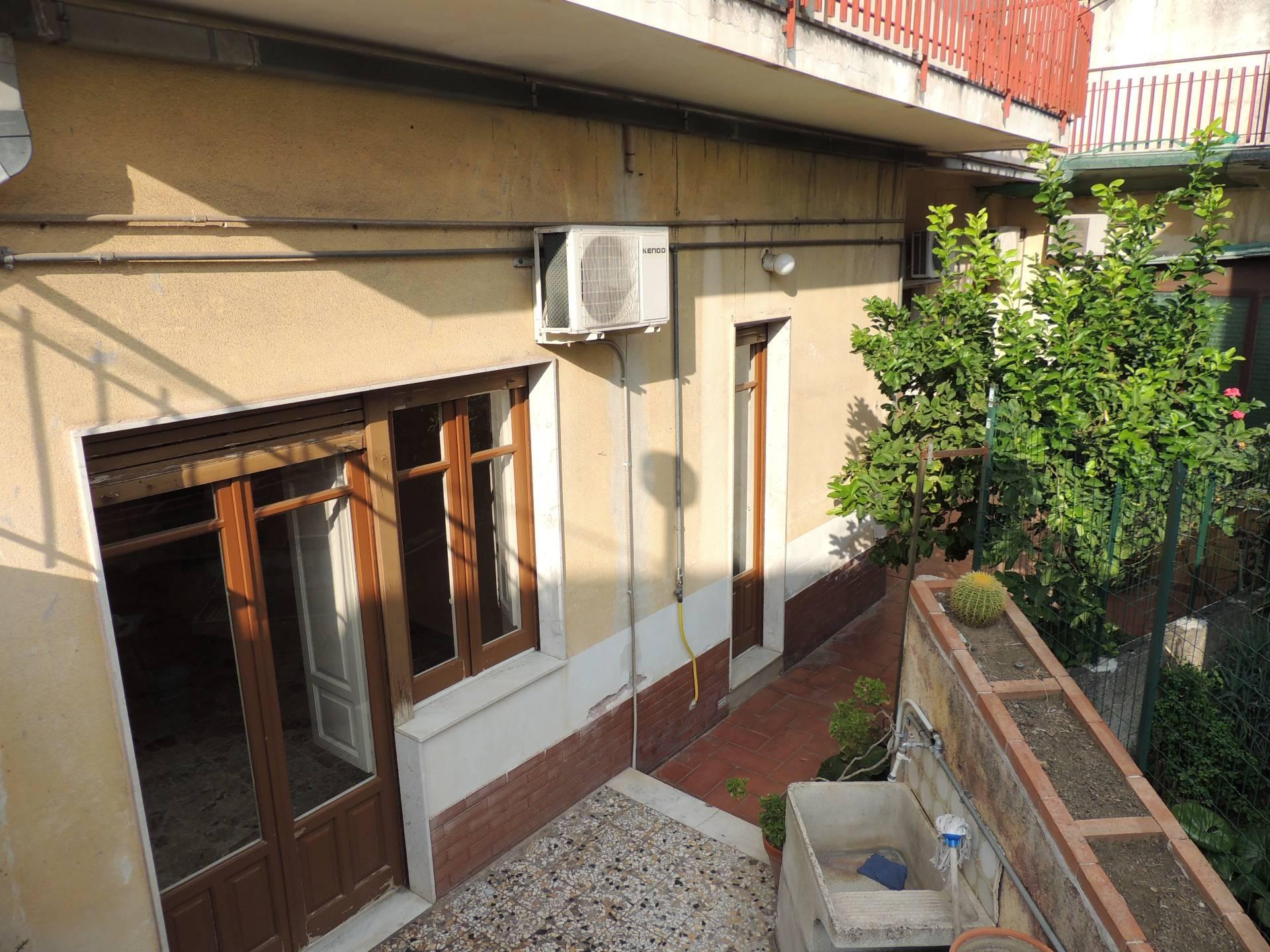 Appartamento in affitto a Gravina di Catania, 3 locali, zona Località: Centro, prezzo € 400 | CambioCasa.it