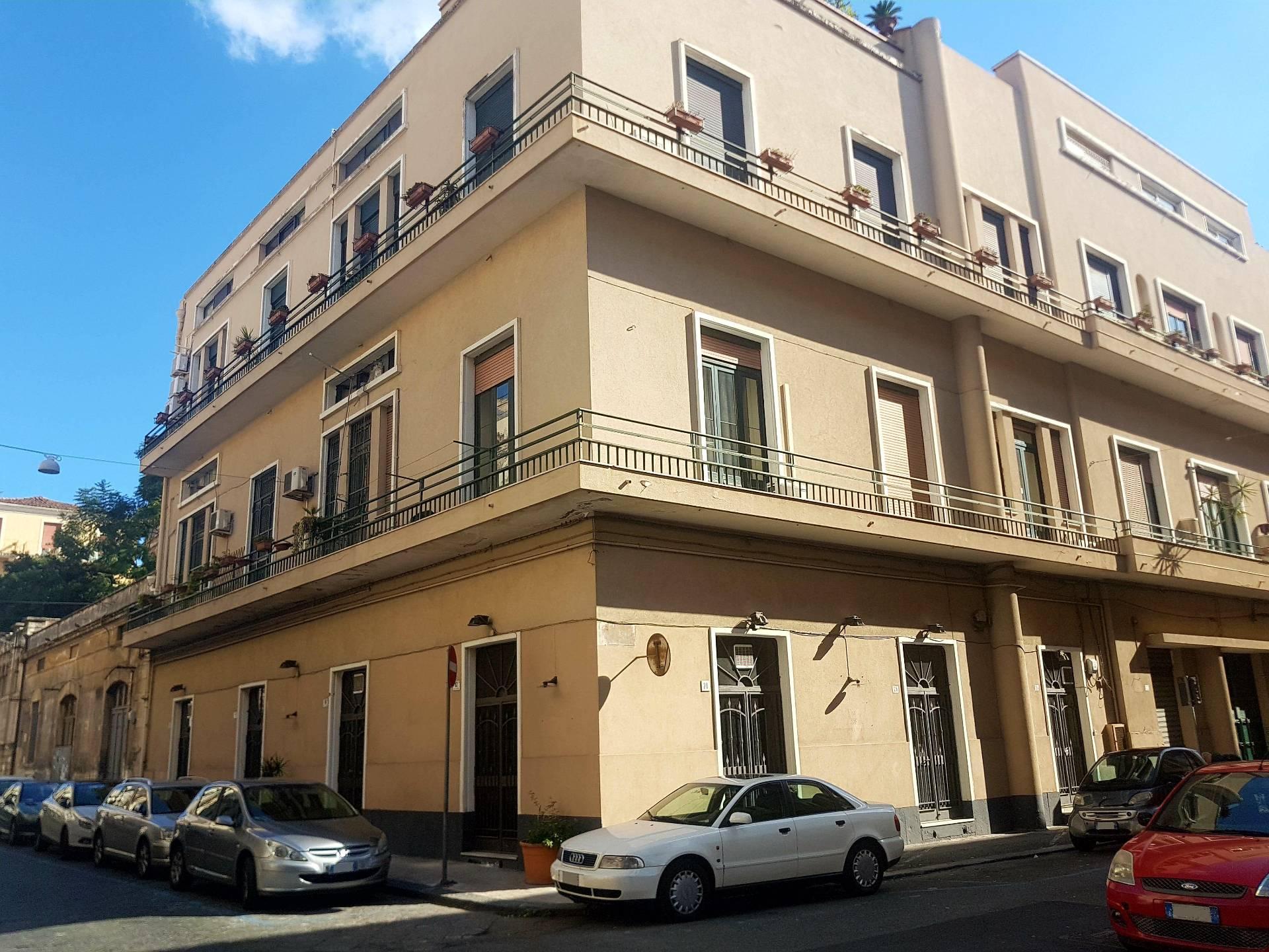 Negozio / Locale in affitto a Catania, 9999 locali, prezzo € 2.750 | CambioCasa.it