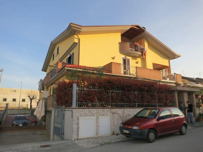 Appartamento in vendita a Sant'Egidio alla Vibrata, 4 locali, prezzo € 165.000 | CambioCasa.it