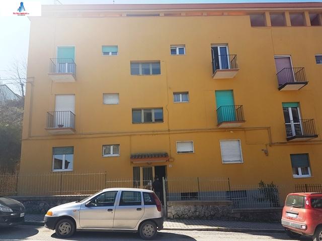 Appartamento in vendita a Ariano Irpino, 3 locali, zona Località: viagiacomomatteotti, prezzo € 40.000 | CambioCasa.it