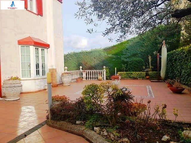 Villa a Schiera in vendita a Ariano Irpino, 8 locali, zona Località: contradatorana, Trattative riservate | CambioCasa.it