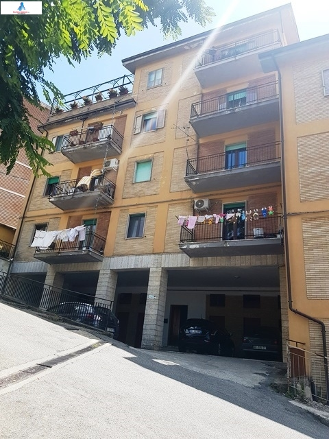 Appartamento in vendita a Ariano Irpino, 3 locali, zona Località: viaadinolfi, prezzo € 52.000 | CambioCasa.it