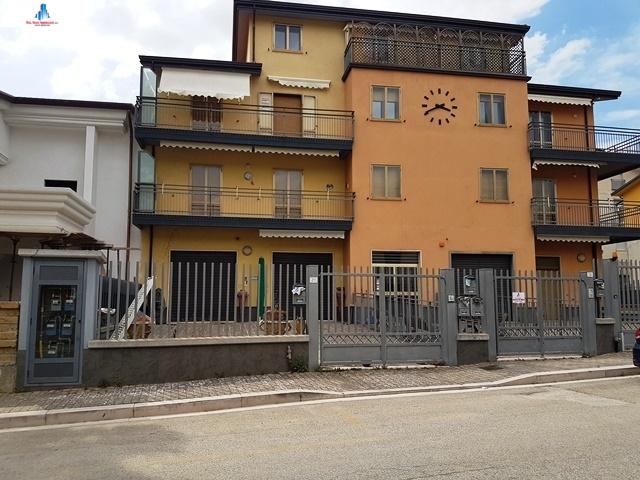 Appartamento in affitto a Montecalvo Irpino, 3 locali, prezzo € 350   CambioCasa.it