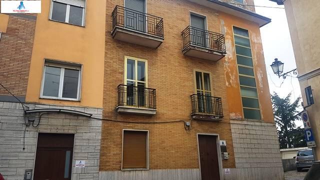 Appartamento in vendita a Ariano Irpino, 3 locali, zona Località: Centro, prezzo € 45.000 | CambioCasa.it