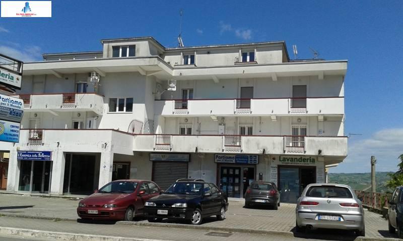 Appartamento in vendita a Ariano Irpino, 3 locali, zona Località: localitàCardito, prezzo € 90.000 | CambioCasa.it