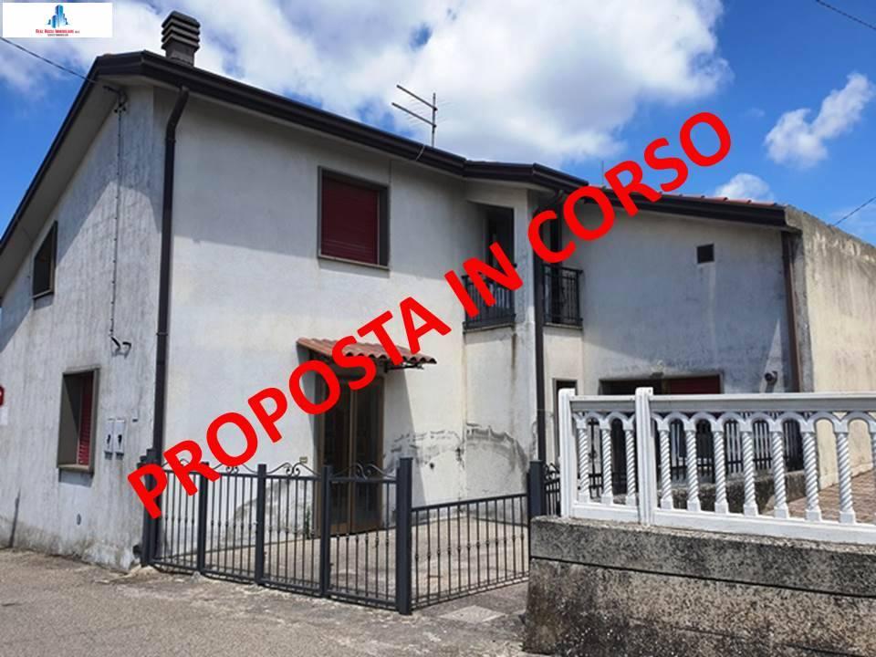 Soluzione Semindipendente in vendita a Savignano Irpino, 4 locali, prezzo € 10.000 | CambioCasa.it