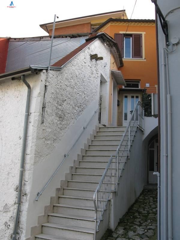 Appartamento in vendita a Ariano Irpino, 3 locali, zona Località: viaguardia, prezzo € 40.000 | CambioCasa.it
