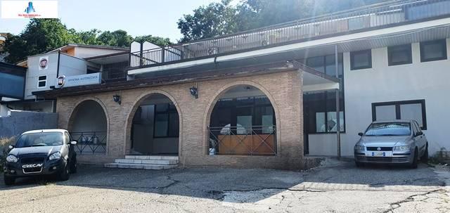 Negozio / Locale in affitto a Ariano Irpino, 9999 locali, zona Località: viavariante, prezzo € 1.100 | CambioCasa.it