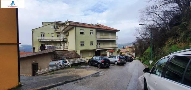 Appartamento in vendita a Ariano Irpino, 4 locali, zona Località: viagiacomomatteotti, prezzo € 85.000 | CambioCasa.it