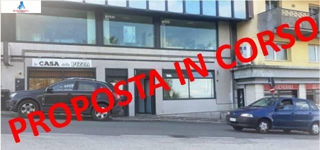 Negozio / Locale in affitto a Ariano Irpino, 2 locali, zona Località: viaxxvaprile, prezzo € 450 | CambioCasa.it