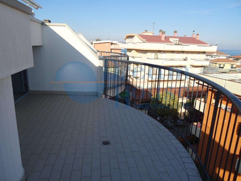 Bilocale Alba Adriatica Via Malta 8