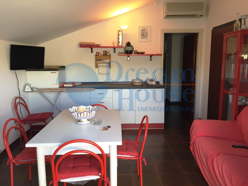 Attico / Mansarda in vendita a Alba Adriatica, 4 locali, zona Località: VillaFiore/Pinete, prezzo € 87.000   Cambio Casa.it