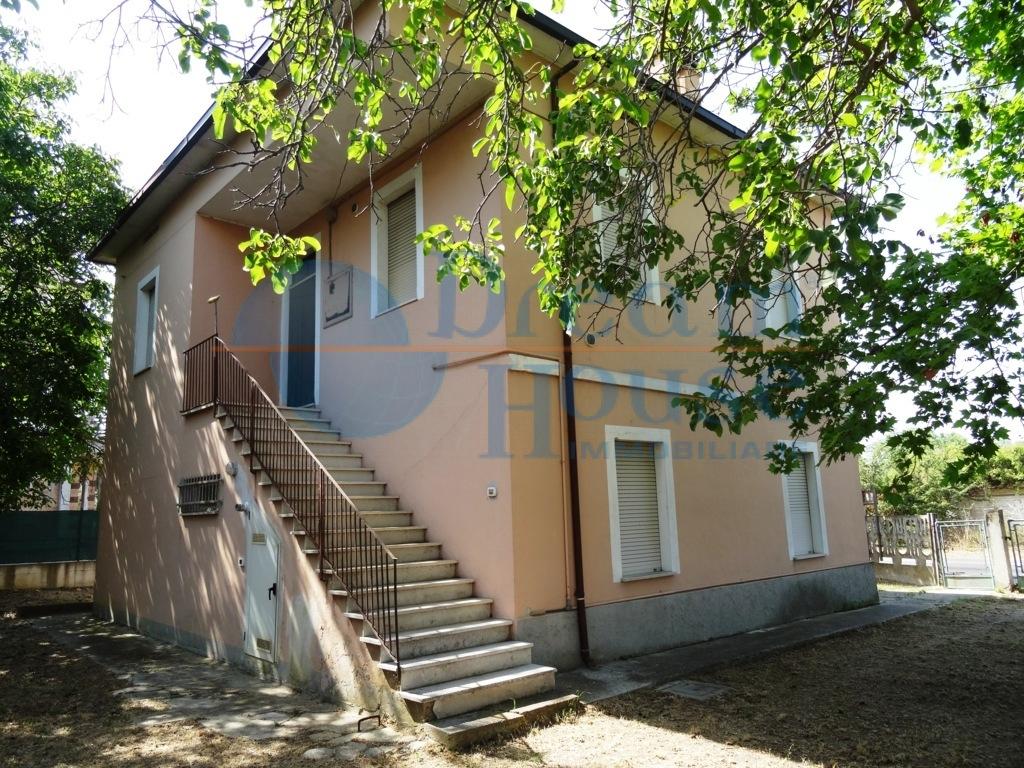 Casa singola/ Villa in Vendita