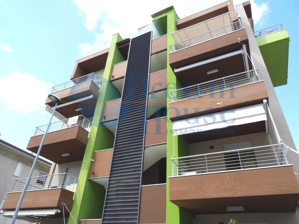 vendita appartamento alba adriatica villa fiore/pinete  108000 euro  3 locali  52 mq