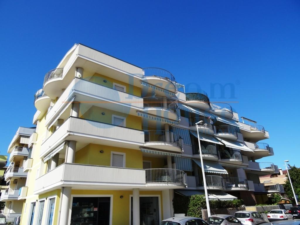 vendita appartamento alba adriatica villa fiore/pinete  120000 euro  2 locali  42 mq