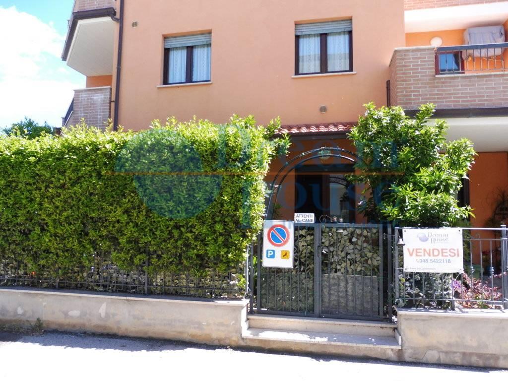Appartamento in vendita a Colonnella, 3 locali, prezzo € 120.000 | CambioCasa.it