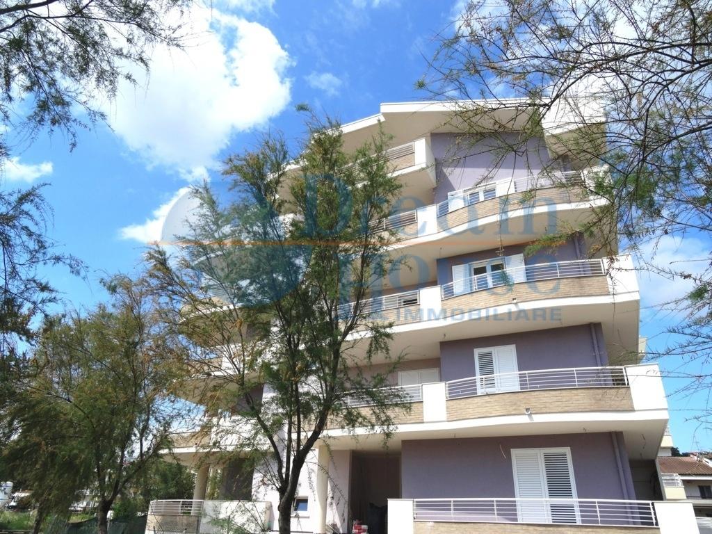 Appartamento in vendita a Tortoreto, 3 locali, zona Località: TORTORETOLIDO, prezzo € 144.000 | PortaleAgenzieImmobiliari.it