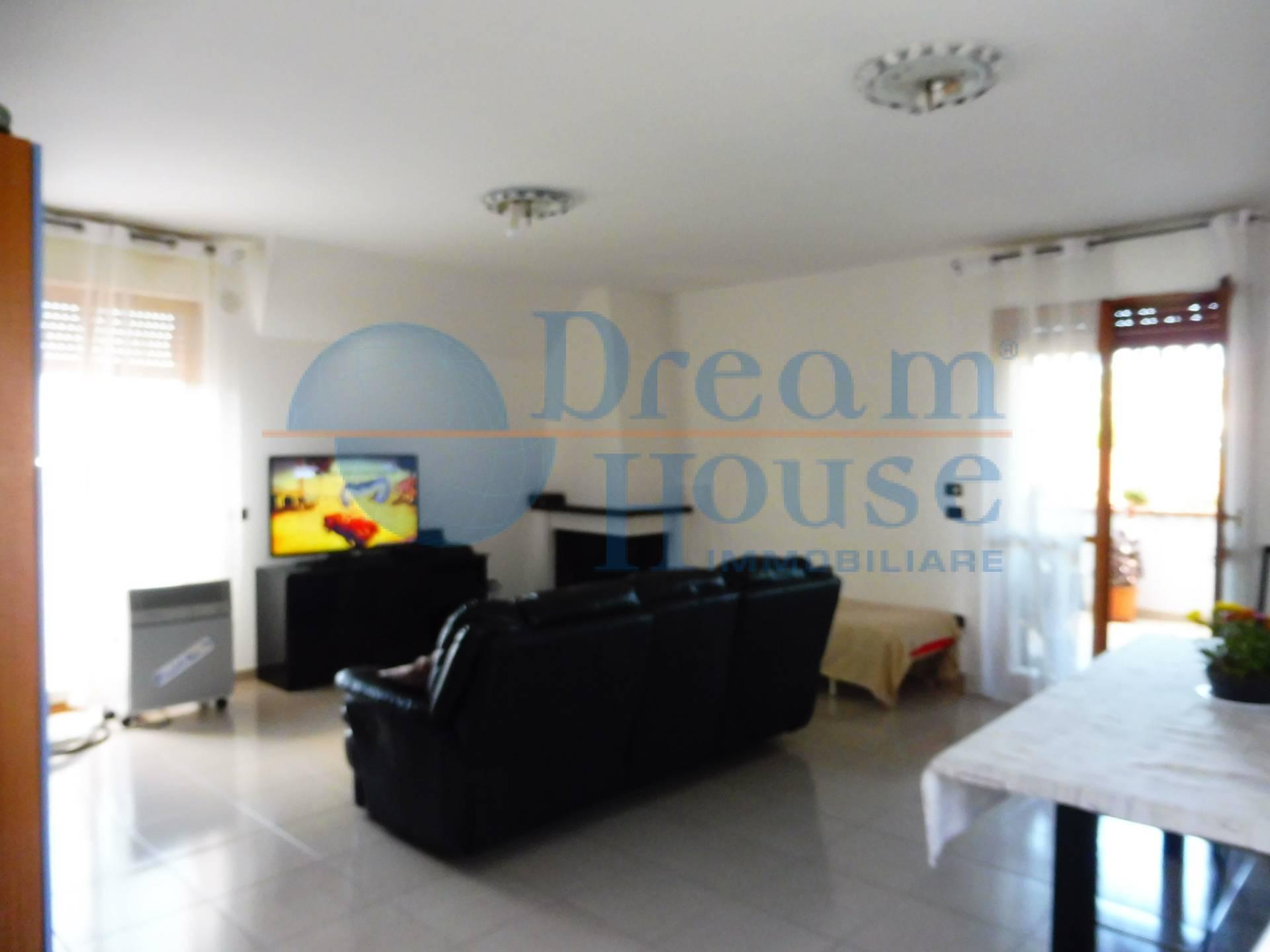 Appartamento in vendita a Martinsicuro, 3 locali, prezzo € 82.000 | PortaleAgenzieImmobiliari.it