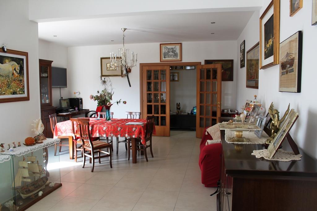 Appartamento in vendita a Agugliano, 5 locali, zona Località: Semicentro, prezzo € 220.000 | Cambio Casa.it