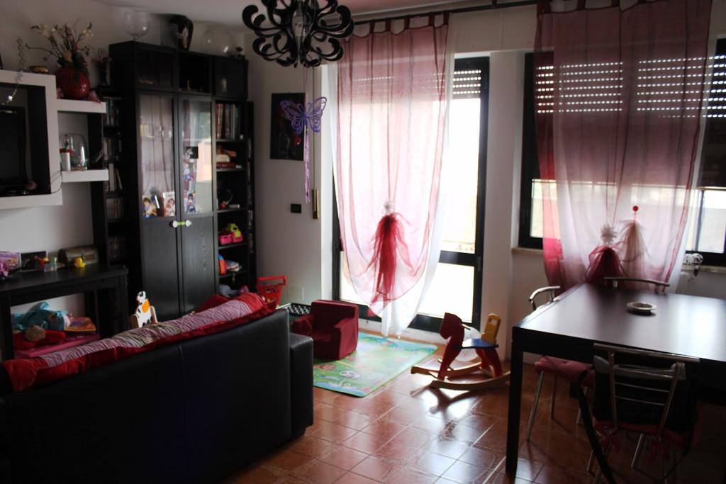 Appartamento in vendita a Agugliano, 6 locali, zona Località: Semicentro, prezzo € 159.000 | Cambio Casa.it