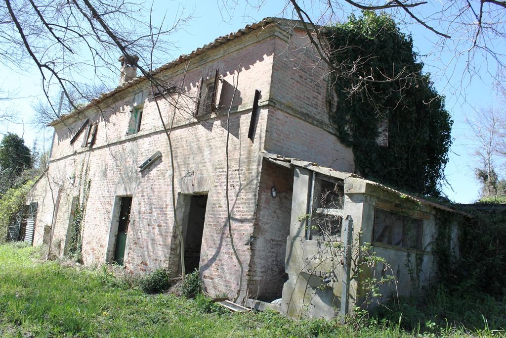 Soluzione Indipendente in vendita a Agugliano, 6 locali, prezzo € 120.000 | Cambio Casa.it